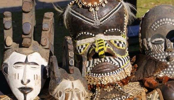 Südafrikanische Masken
